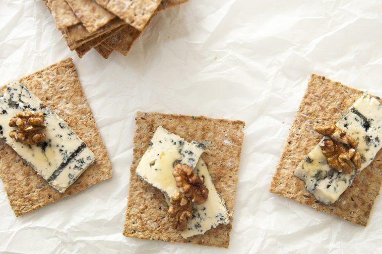 Røros Knekks med ost og valnøtt